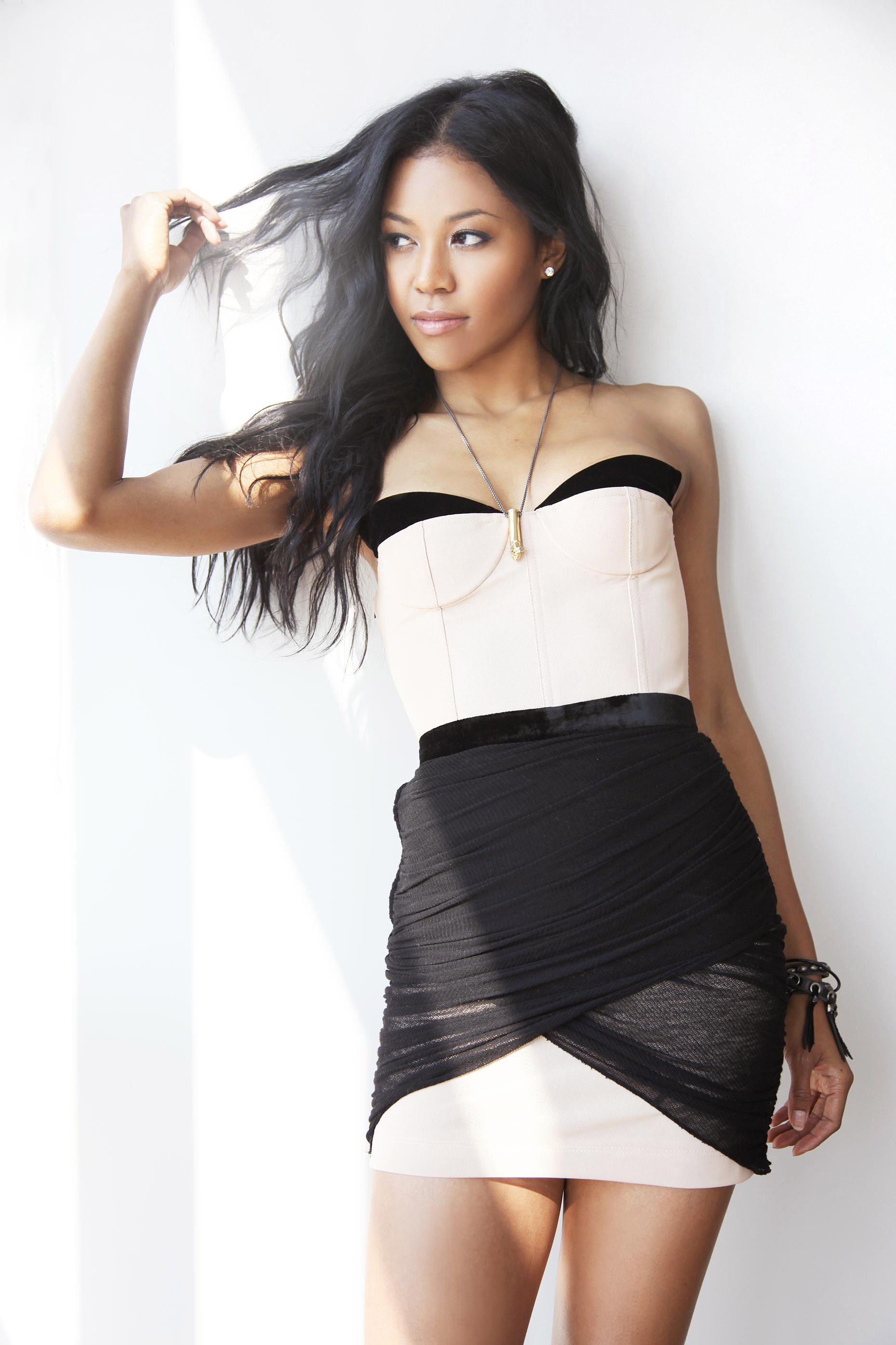 6-Kelly-Stuart-Editorial-Amerie-3-b