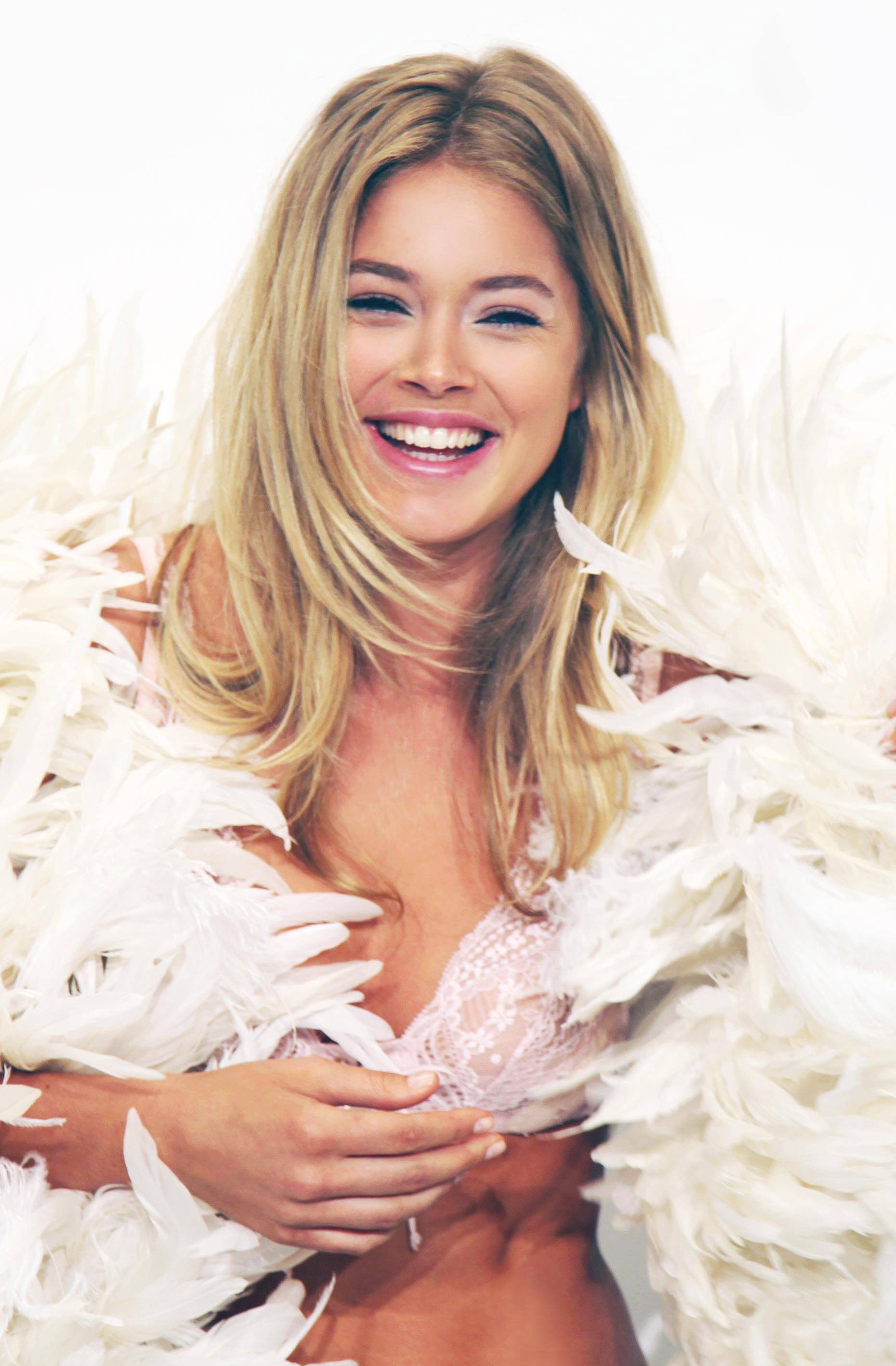 67-Kelly-Stuart-backstage-Victoria-Secret-2-b